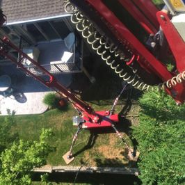 St. Catharines Tree Service Spider Lift